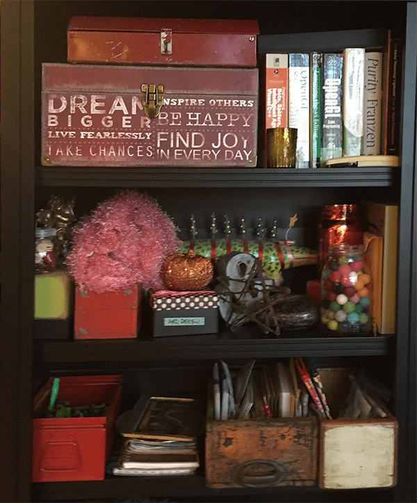 Organized Bookshelves - Creative Organizing Space