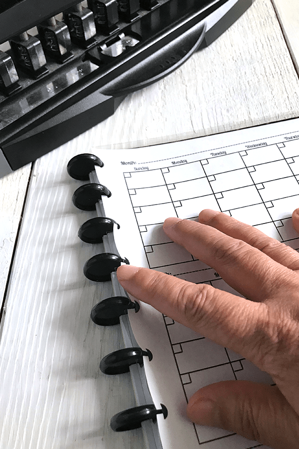 Pushing The Discs Into Paper.... Staples ARC Planner, Hole Punch Planner Accessories